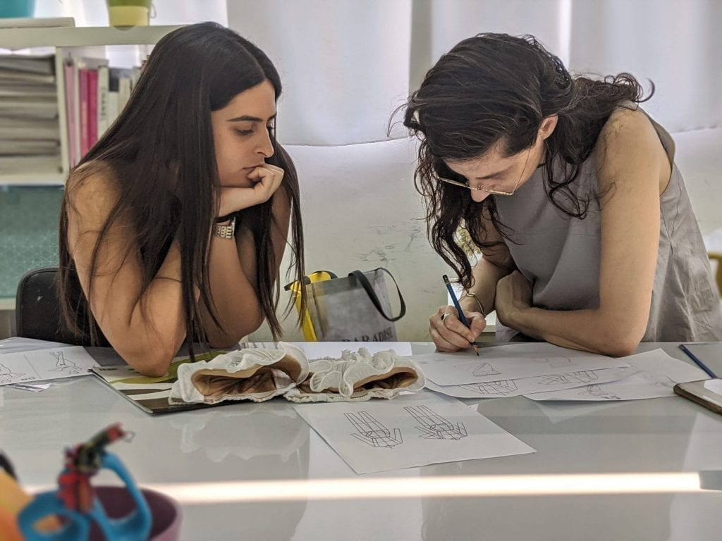 קורס עיצוב אופנה לנערות